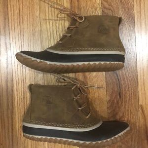 SOREL out and about duck bootie camel brown